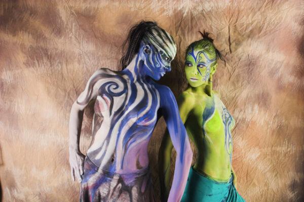 Modelki na stoisku Olympusa fot. Krystian Bielatowicz